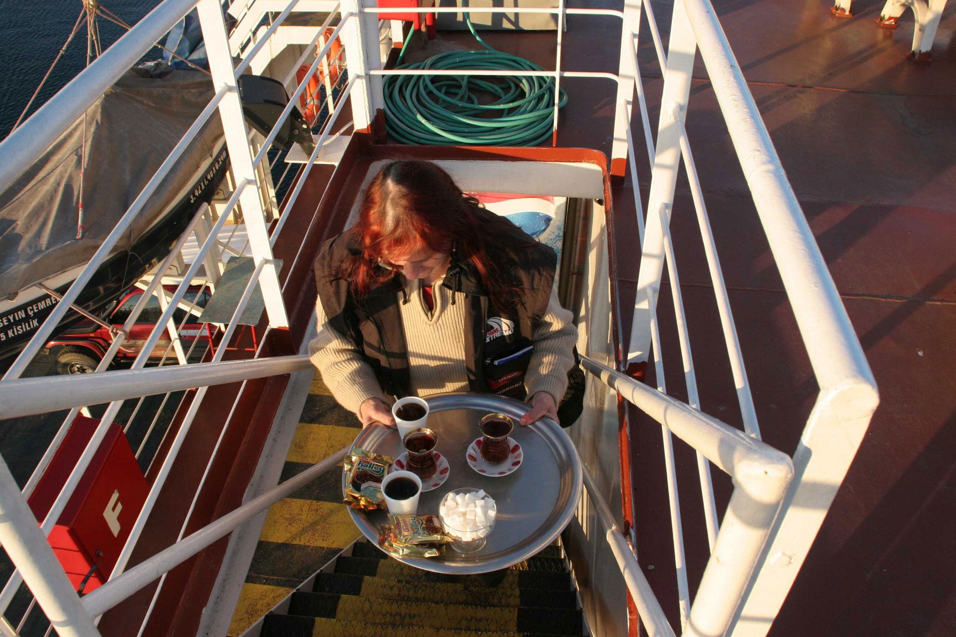 Tee und Kaffe auf der Fähre